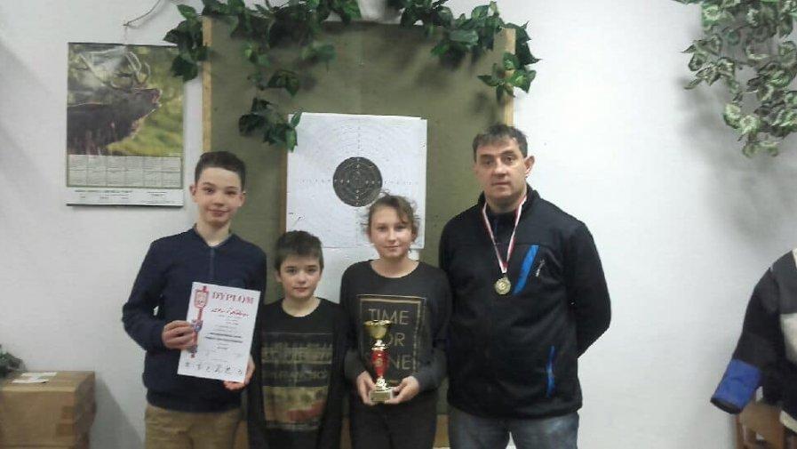 I miejsce drużynowo w Mistrzostwach Młodzieży LOK W INFORMATYCE POWIATU KROTOSZYŃSKIEGO w kategorii młodzik.